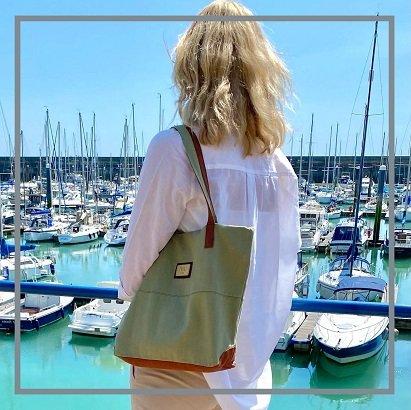 cotton canvas shoulder handbag in marina